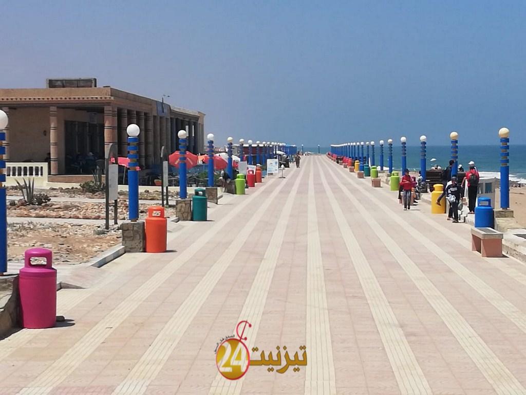 بالصور : شاطئ أكلو يتأهب لاستقبال المصطافين