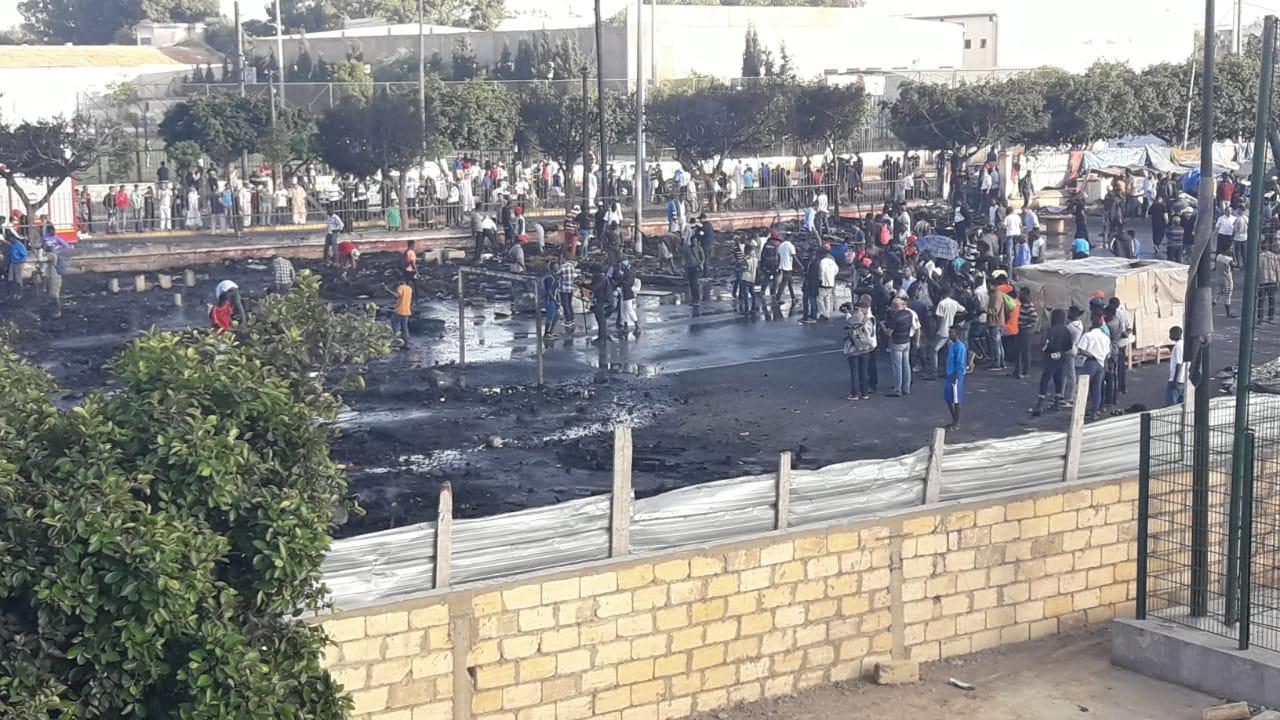 أنباء عن سقوط ضحايا في حريق مهول اندلع بخيام المهاجرين بالدار البيضاء