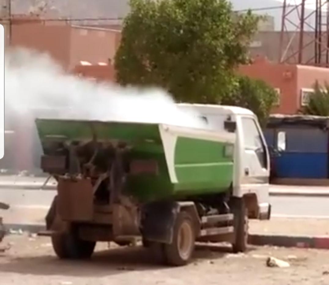 أولاد جرار : مختل عقلي يضرم النار في شاحنة للنفايات تابعة لجماعة الركادة