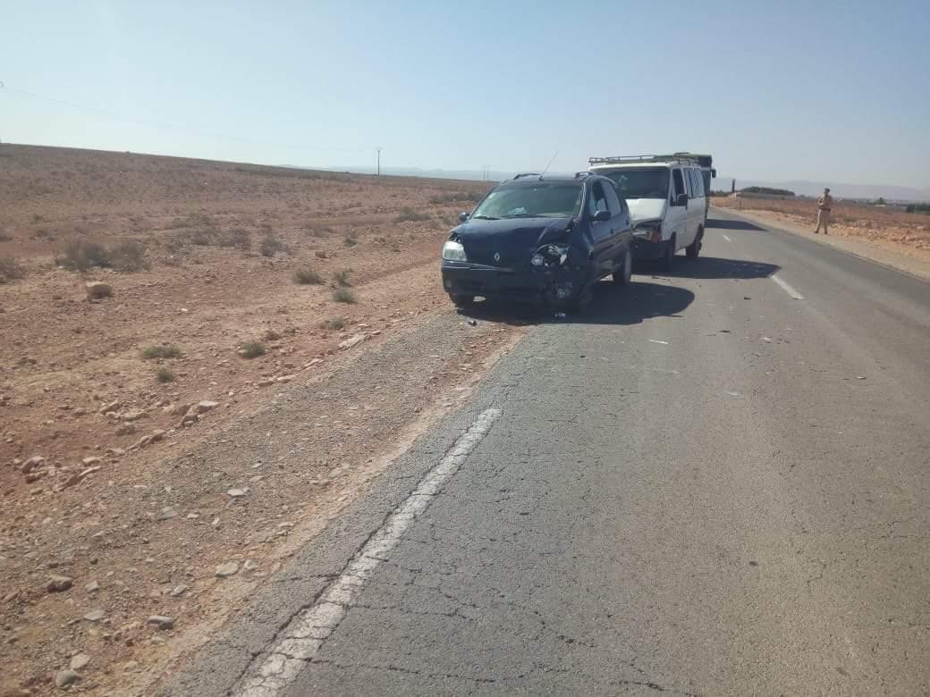 خسائر مادية في اصطدام 5 سيارات بين تيزنيت و اولاد جرار