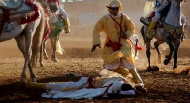 فيديو : اصابة فارس بطلقة البارود بساحة التبوريدة ضمن فعاليات مهرجان اكناري بسيدي افني