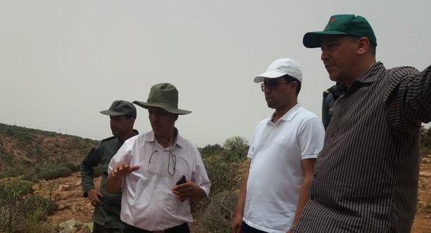 سيدي افني: عامل الإقليم يطلع على أشغال مكافحة الحشرة القرمزية بجماعة اصبويا