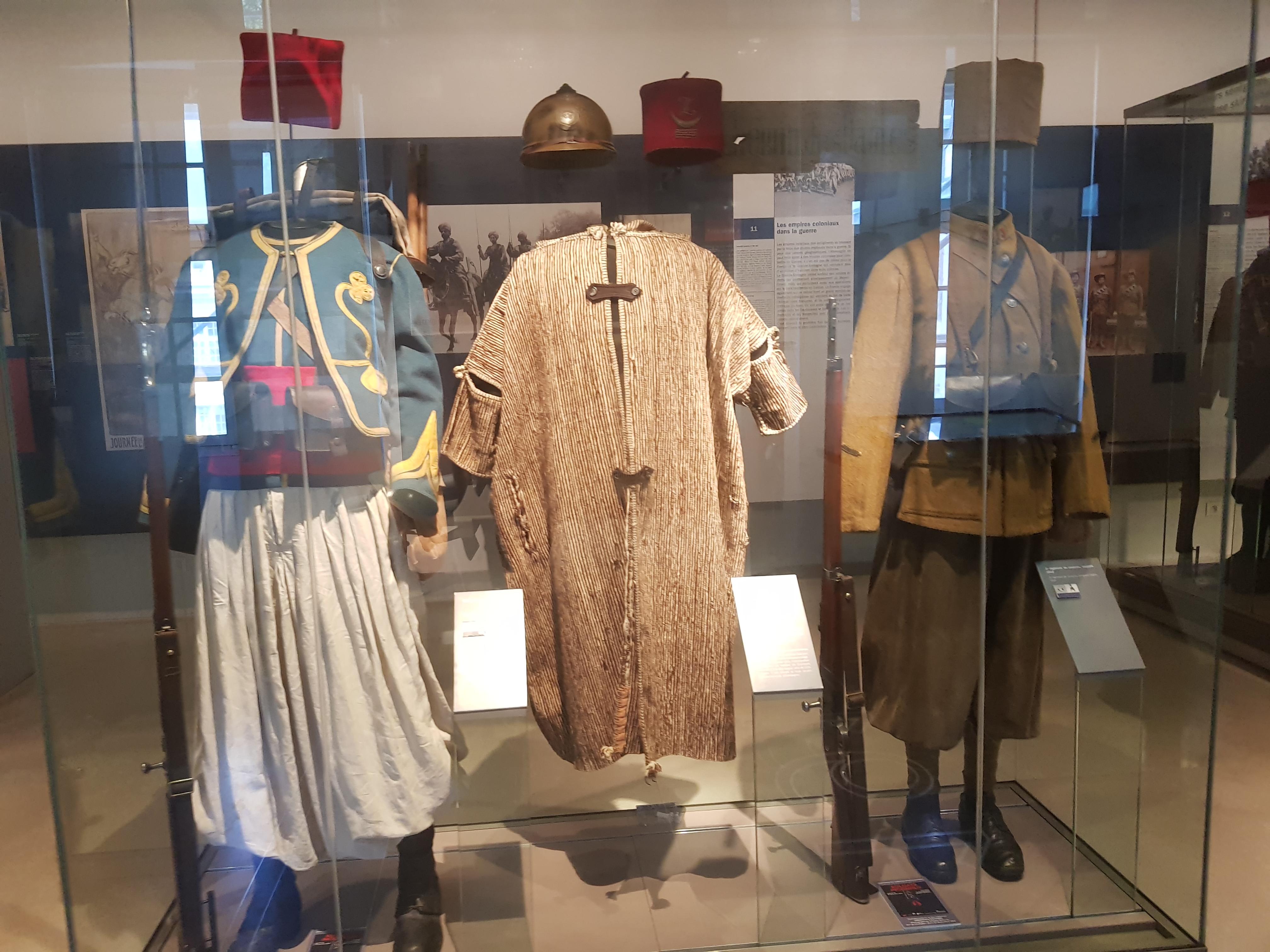 التحف المغربية بالدول الأجنبية