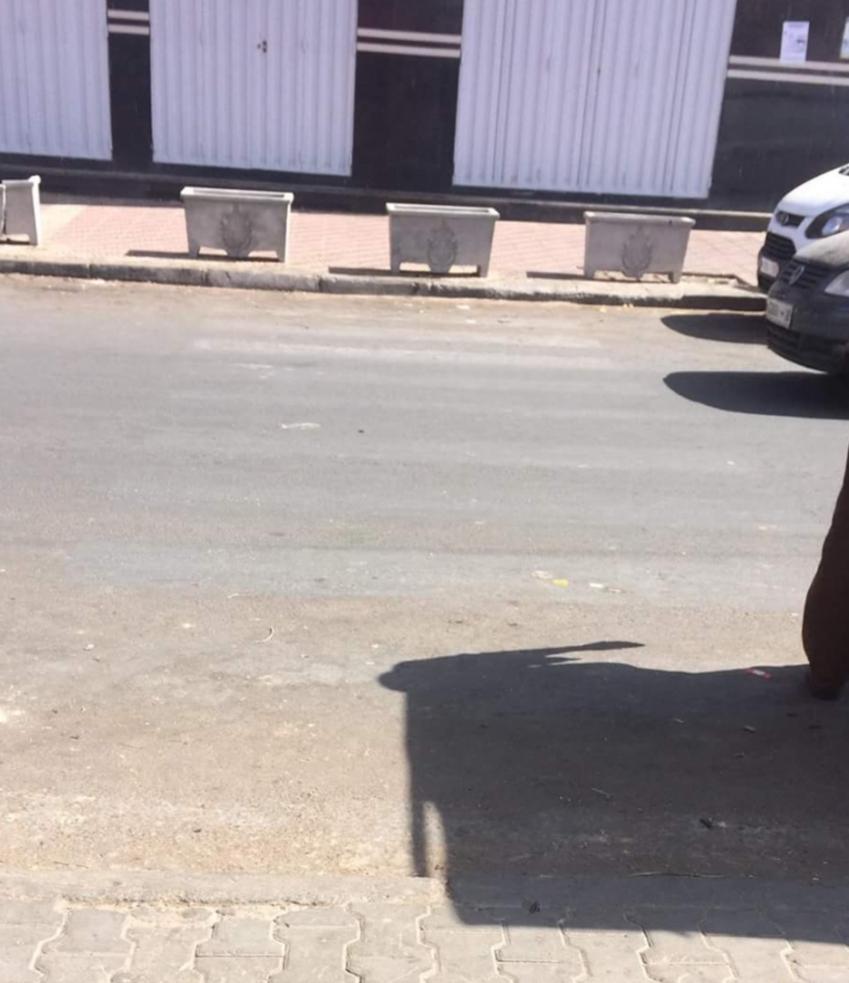 خطر حقيقي يتهدد التلاميذ في غياب أشرطة ممرات الراجلين بشارع ادريس الحارثي