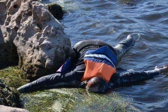 بحر شاطئ تامحروشت بميراللفت يلفظ جثة شاب