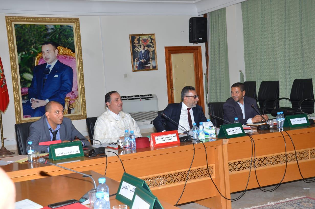 المجلس الاقليمي لتيزنيت يبرمج 4 هكتارات لانشاء مستشفى بتافراوت