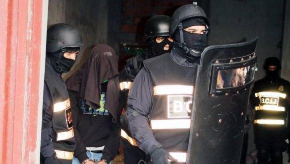 """""""الديستي"""" : توقيف 12 مشتبها بهم ينتمون لشبكة إرهابية وإجرامية"""