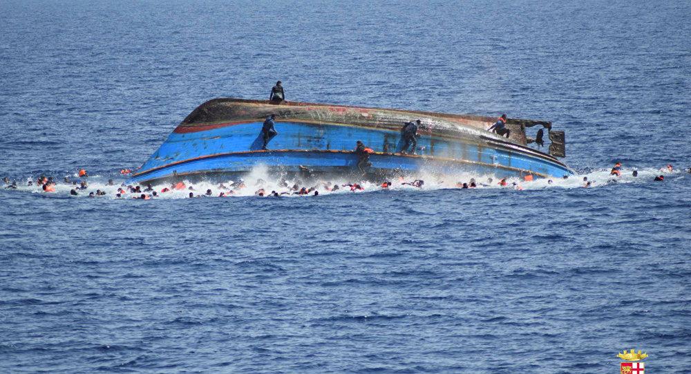 فقدان 22 شخصا و انقاد 3 اخرين في انقلاب قارب للهجرة السرية بضواحي شاطئ أكلو