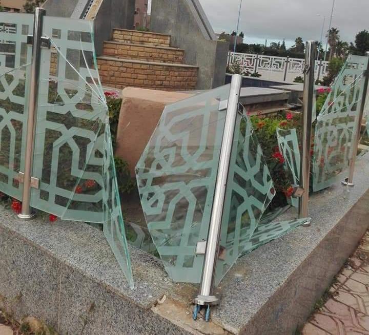 الشيخ بلا تعليقا على تكسير زجاج الممتلكات :  مثل هذه السلوكات تجعل الممتلكات العمومية في مهب الريح