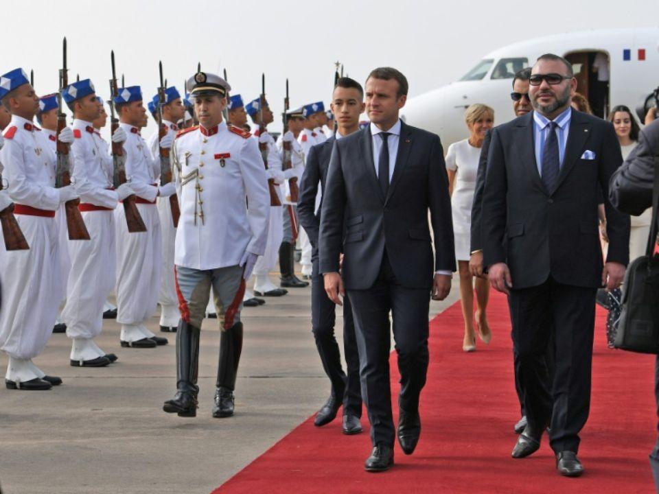 """الرئيس الفرنسي """"ماكرون"""" يحضر إفتتاح """"التيجيفي"""" الى جانب المٓلك بطنجة"""