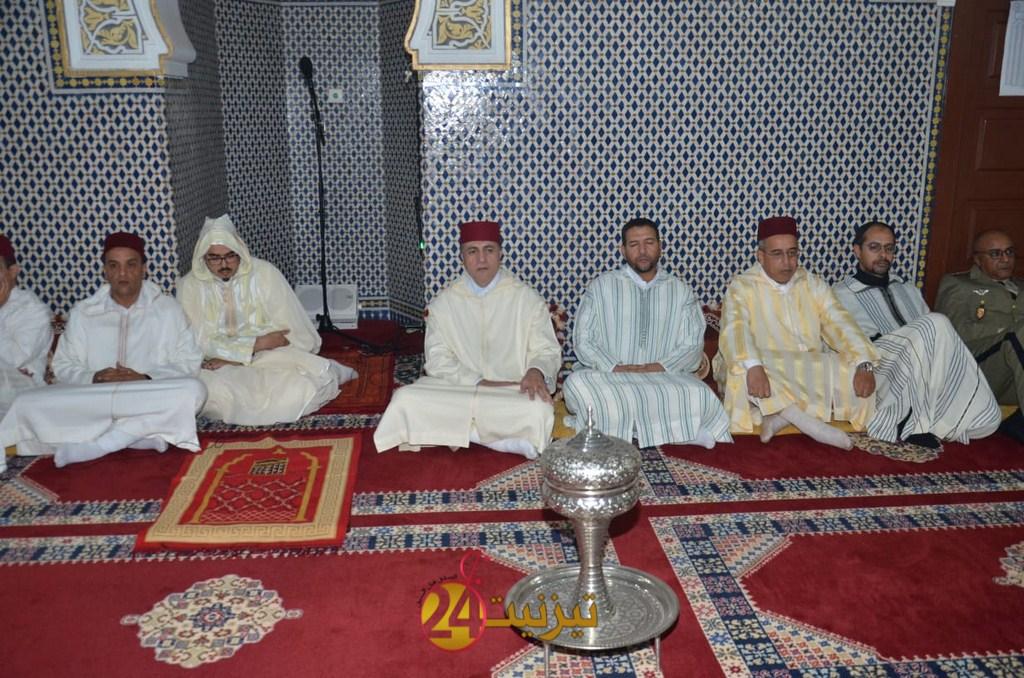 عامل اقليم تيزنيت يترأس بمسجد السنة حفلا دينيا إحياء لليلة المولد النبوي الشريف