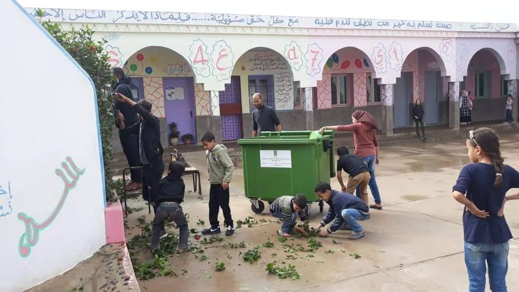 بلفاع : نشاط بيئي بمدرسة ابن بطوطة احتفالا بعيد الإستقلال