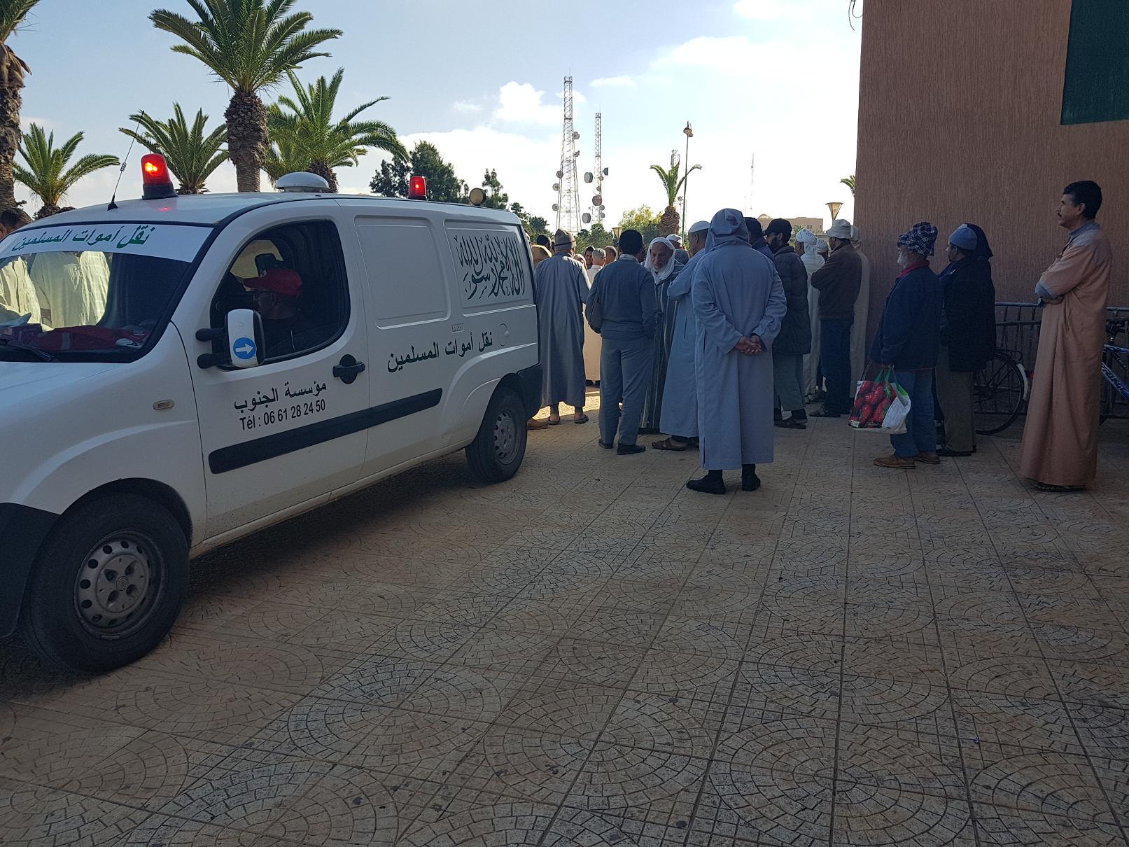 فيديو : جنازة الحاج بوجمعة بوتعلي المؤدن السابق لمسجد السنة