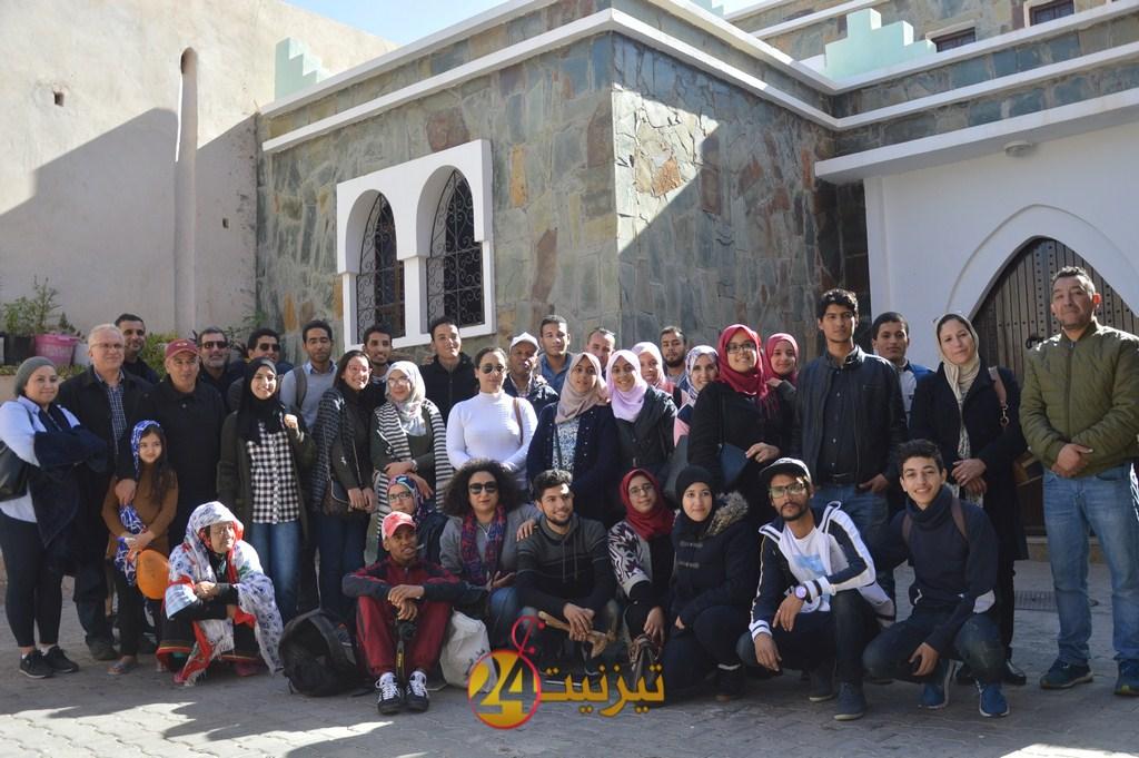 رحلة دراسية تقود طلبة بجامعة ابن زهر الى زيارة معالم تيزنيت التاريخية